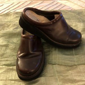 Ugg Brown Leather Clogs